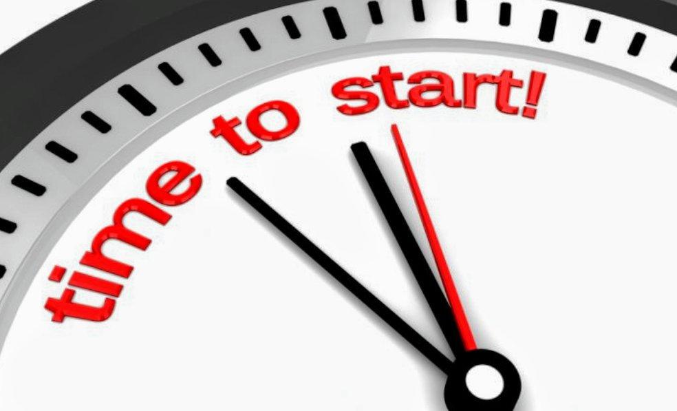 klok die zeg: ''begin op tijd met leren''.